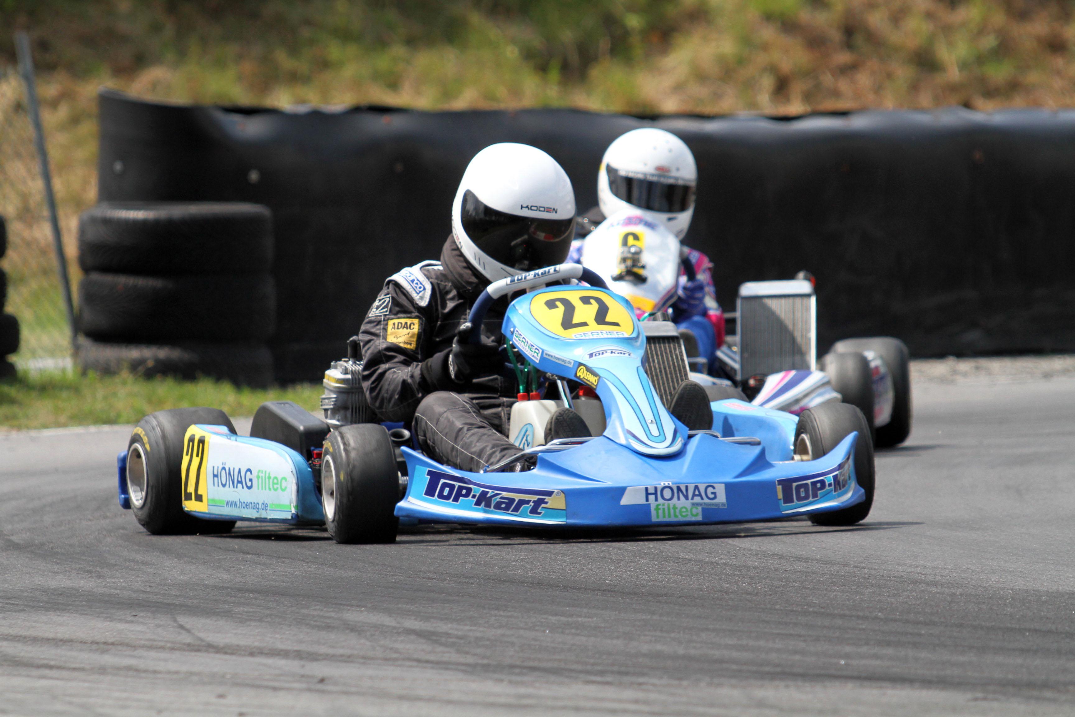 Freie Fahrerplätze und Leihmotoren bei Berner Kartsport