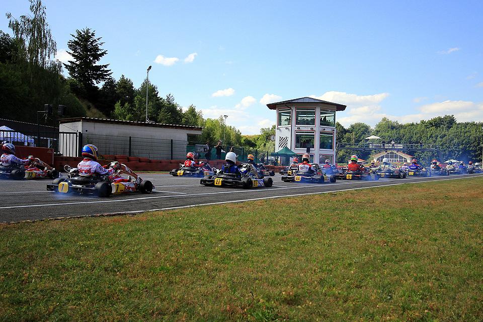 Erfolgreiche ADAC Kart Cup-Premiere in Ampfing