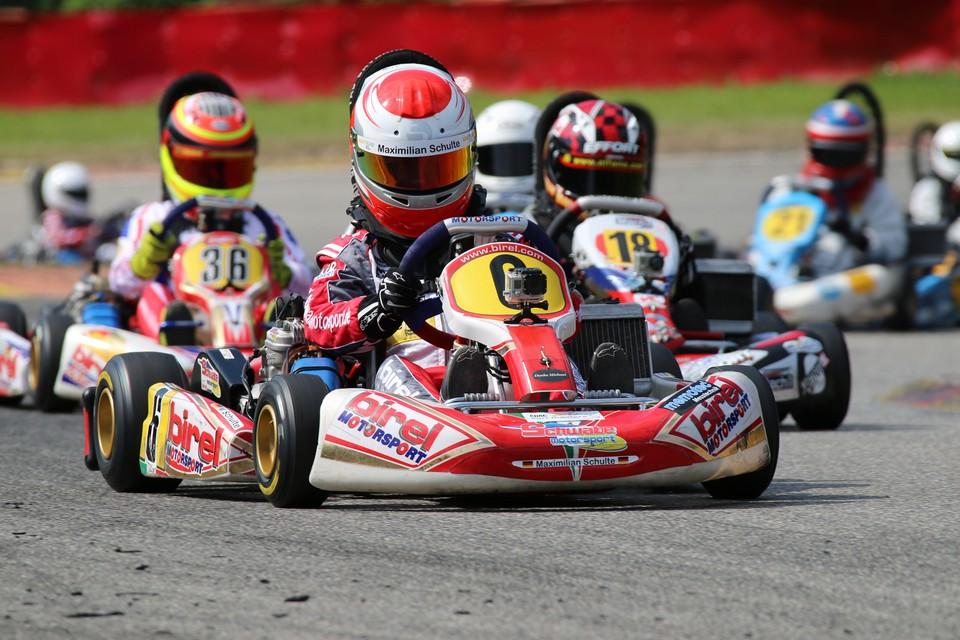 Schwabe Motorsport-Piloten landen in den Top-Ten