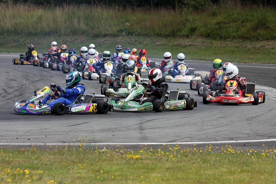 WAKC Hahn: Triumphales Wochenende für RMW Motorsport