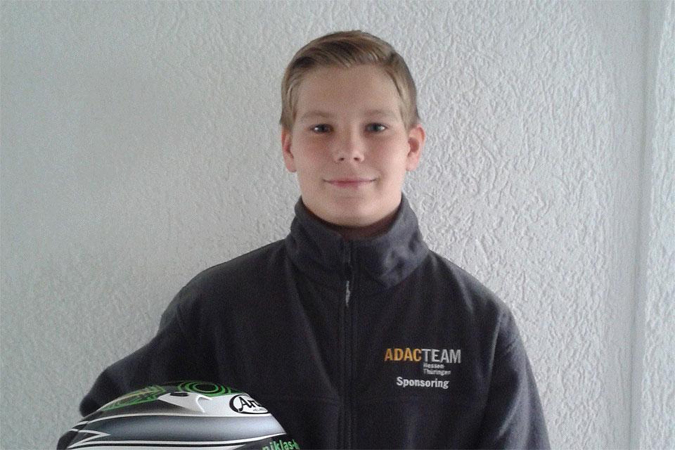 Niklas Koch mit neuem Helm auf Platz 4 beim WAKC