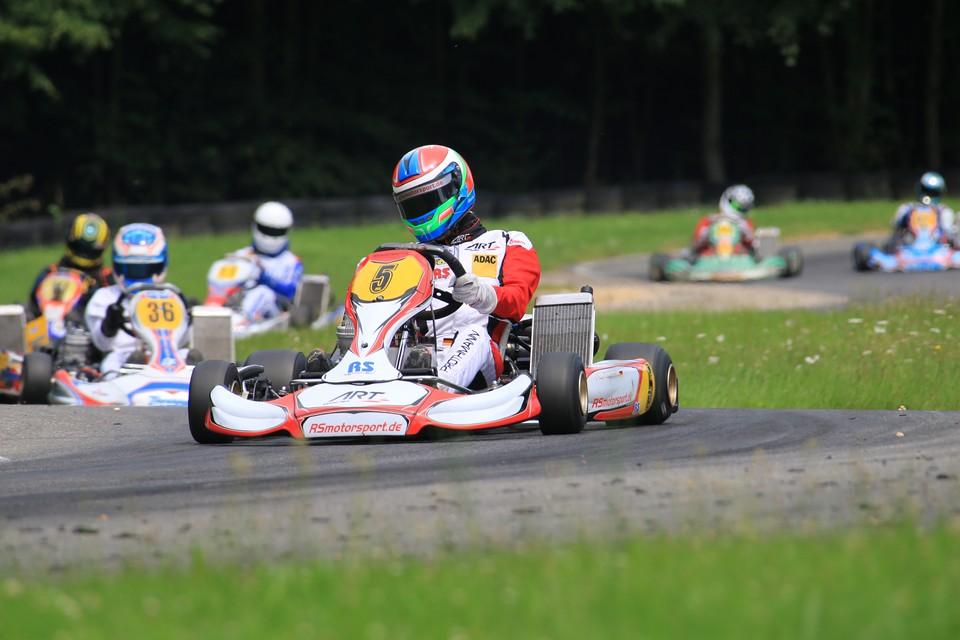 RS Motorsport hält Schlagdistanz im ADAC Kart Masters