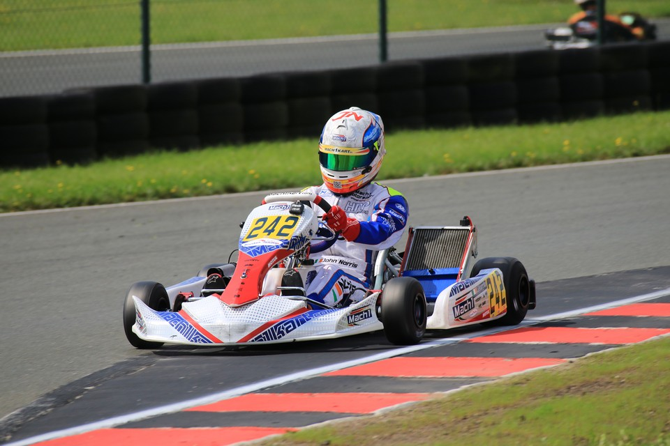 Mach1 Motorsport bejubelt ersten DSKM-Sieg
