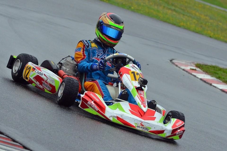 im-racing gewinnt ersten Titel