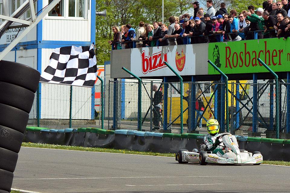RMW Motorsport dominiert Auftakt der Vega Trophy
