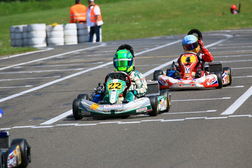 ADAC Kart Masters: Nico Hantke greift in Hahn an