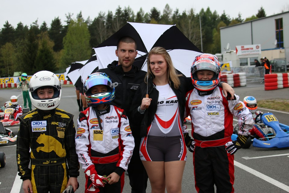 TR Motorsport-Rookies glänzen in Wackersdorf