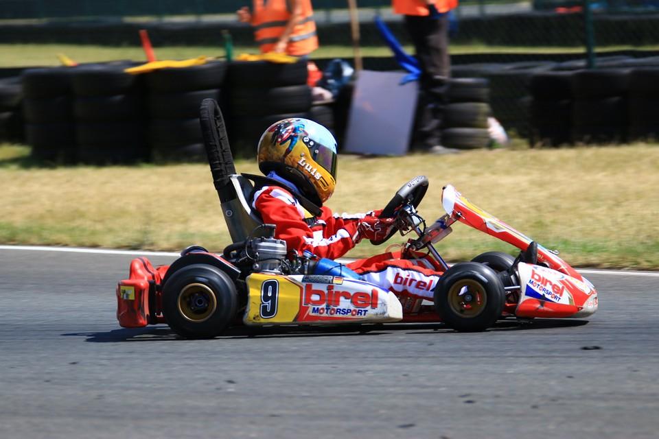 Neues Rennen, neues Glück, Luis Esser bleibt positiv