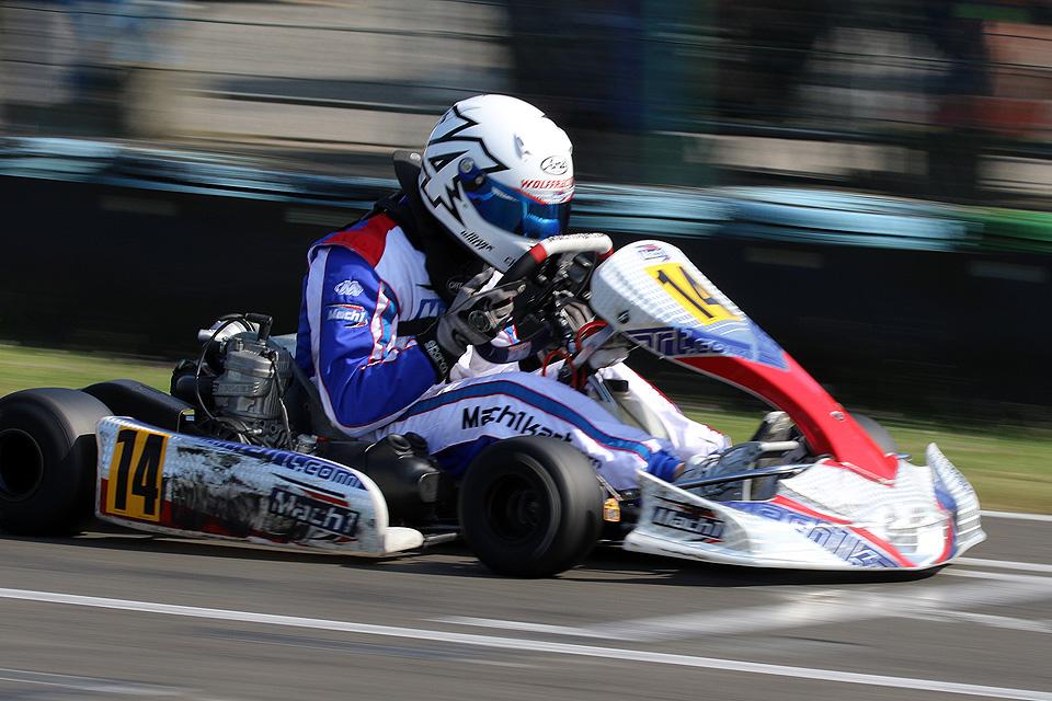 Mark Wolff auf Platz Drei im ADAC Kart Cup