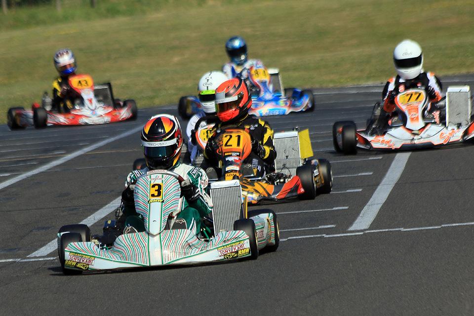RMW Motorsport triumphiert im Hitzekessel