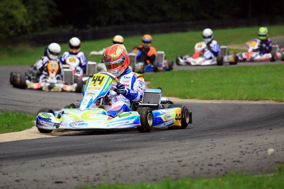 Giuliano Göbbels weiterhin im Titelrennen des ADAC Kart Masters