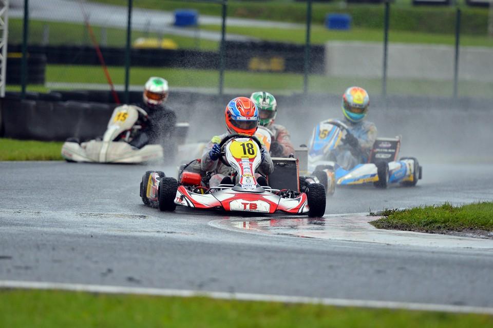 TB Motorsport mit seinen Fahrern in den Top-Ten
