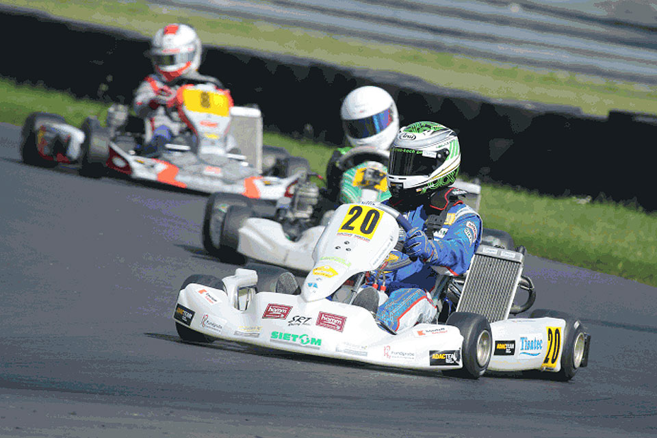 Niklas Koch fährt ohne Bremse auf Platz 2