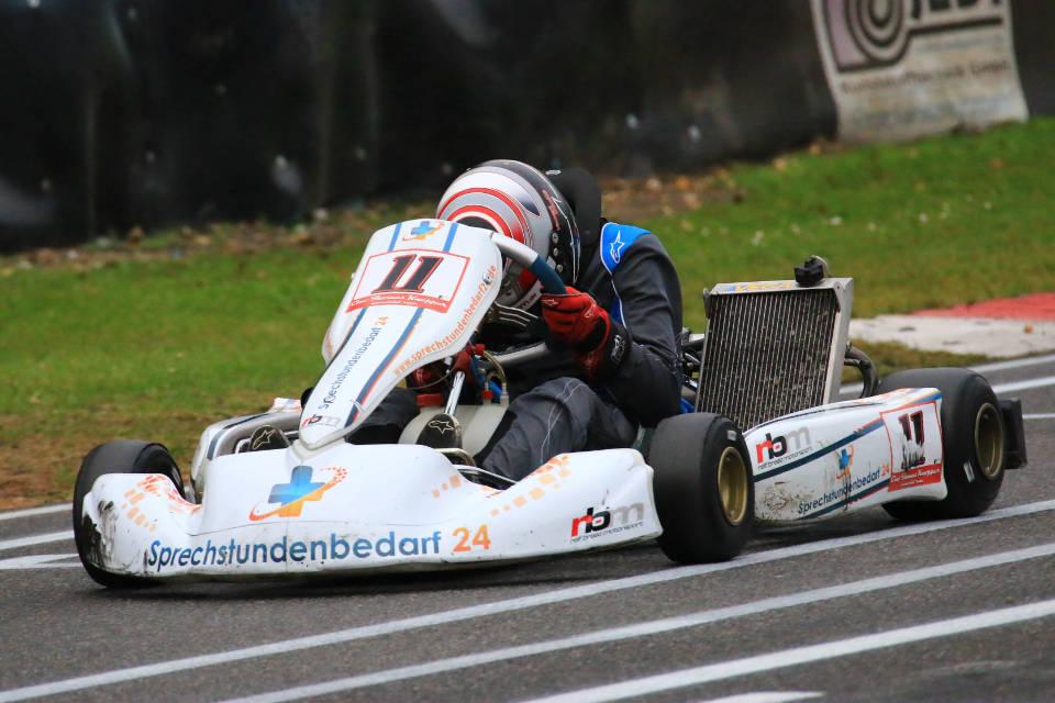 RBM Racing mischt in den Top-Fünf mit