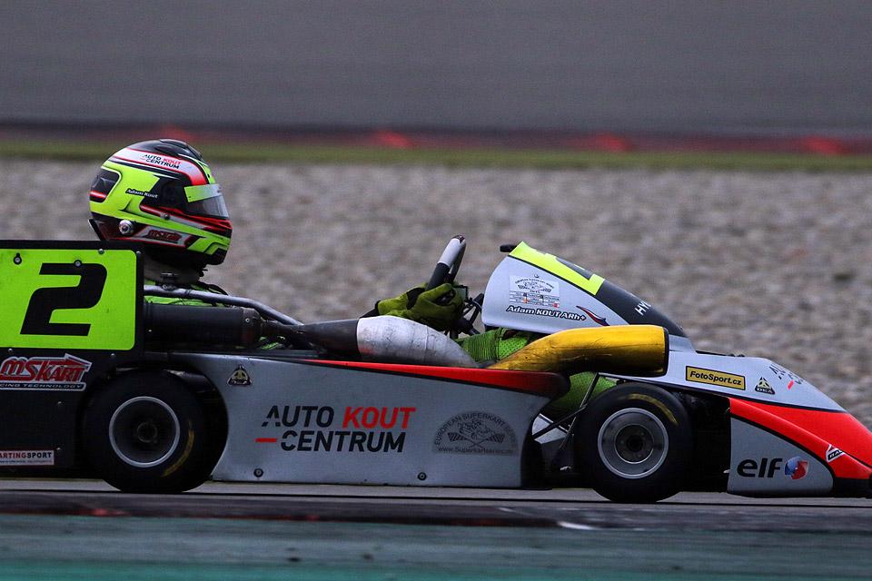 Adam Kout verteidigt European Superkart Series-Titel