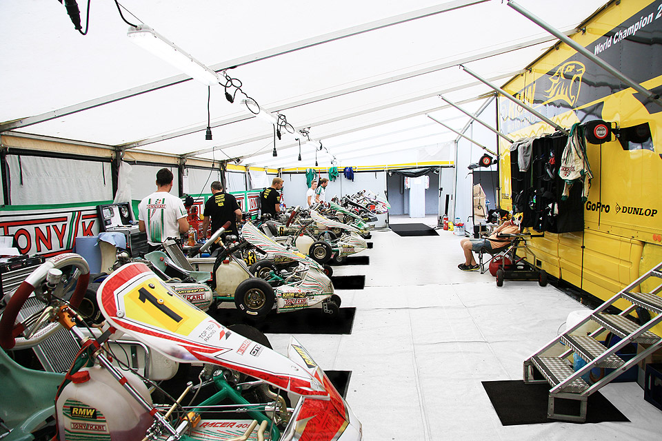 Titelreiches Jahr für RMW Motorsport