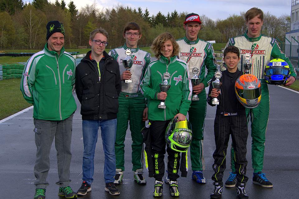 Kartsport-Klimm kämpft gegen Wintereinbruch in Hahn