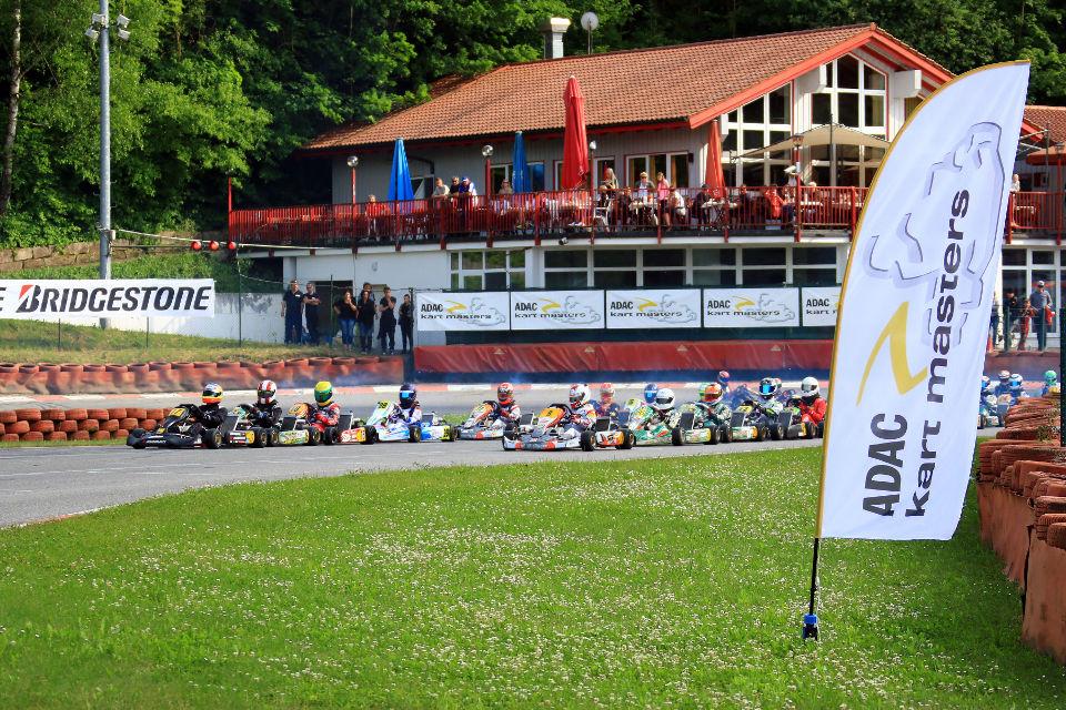 ADAC Kart Masters startet in Ampfing