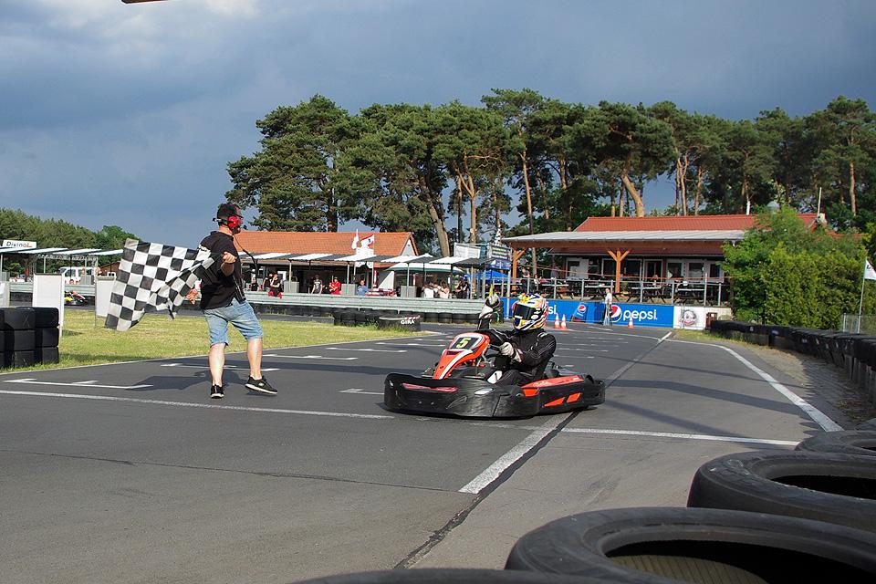 Rent Kart Racing gewinnt 6-Stunden von Waldow