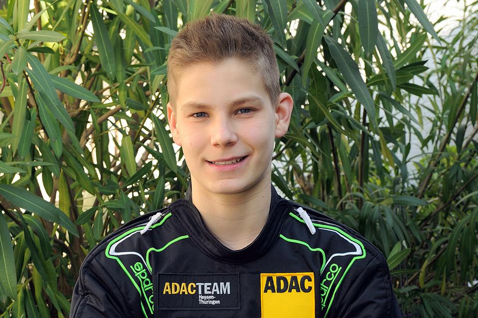 Niklas Koch fährt beim ADAC Kart Masters in die Spitzengruppe