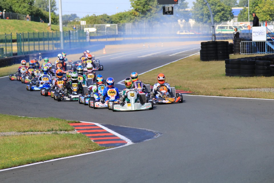 Gute Teamleistung von KSM beim Halbfinale des ADAC Kart Masters