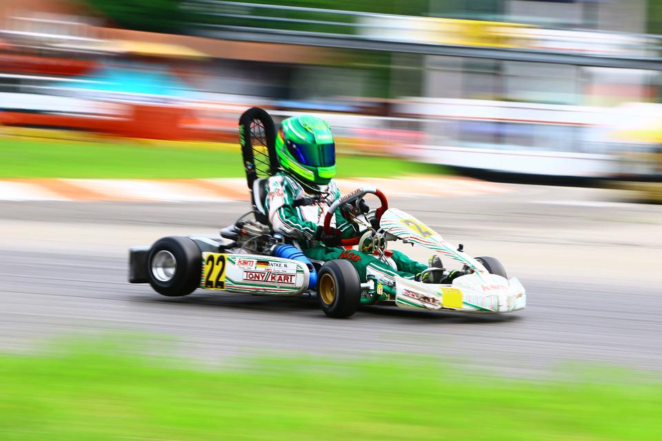 Nico Hantke testet erfolgreich in Wackersdorf