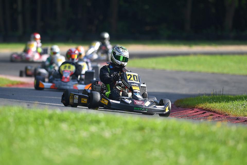 Niklas Koch fährt im ADAC Kart Cup weiter nach vorne