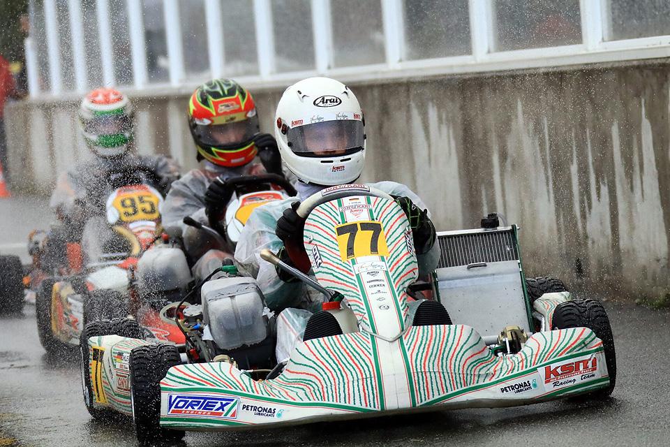 KSM Schumacher Racing Team:  Pokalregen beim ADAC Kart Masters-Finale