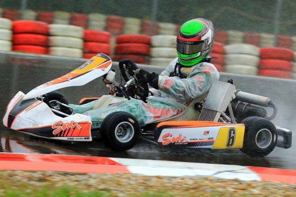 Beule Kart Racing Team triumphiert in Wackersdorf