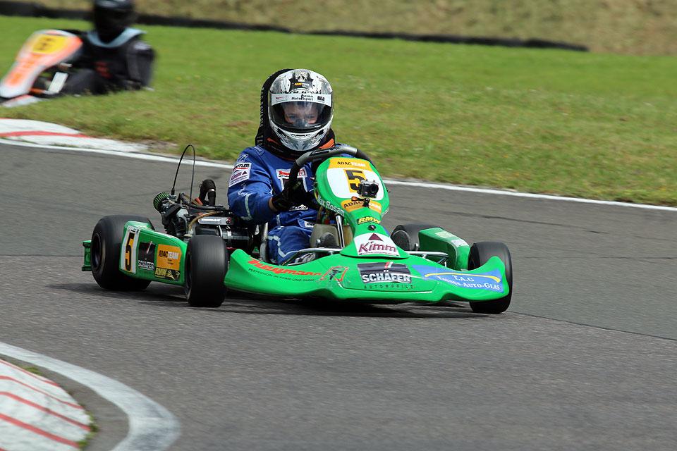 Max Rosam beendet Kart-Saison mit drei Titeln
