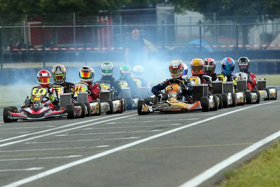 Hitziges ADAC Kart Cup-Rennen in Oschersleben