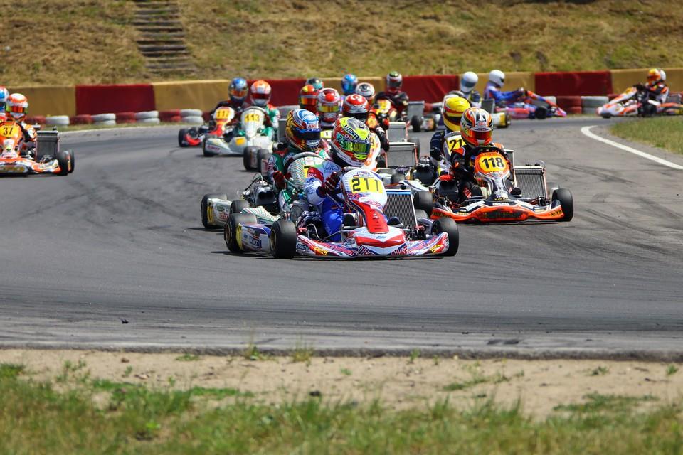 Schaltkart-Doppelsieg für Mach1 Motorsport
