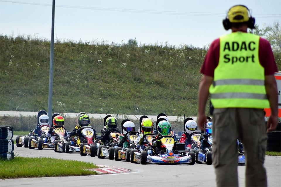 SAKC: Hitzeschlacht in Straubing verlangt Fahrern alles ab