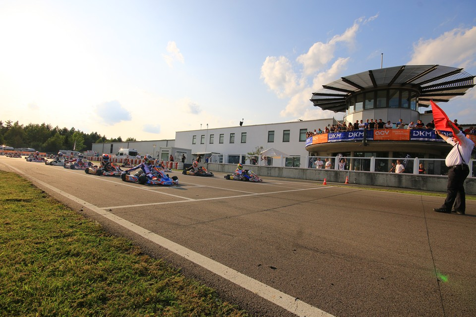 Drei Doppelsieger bei DKM-Halbfinale in Wackersdorf