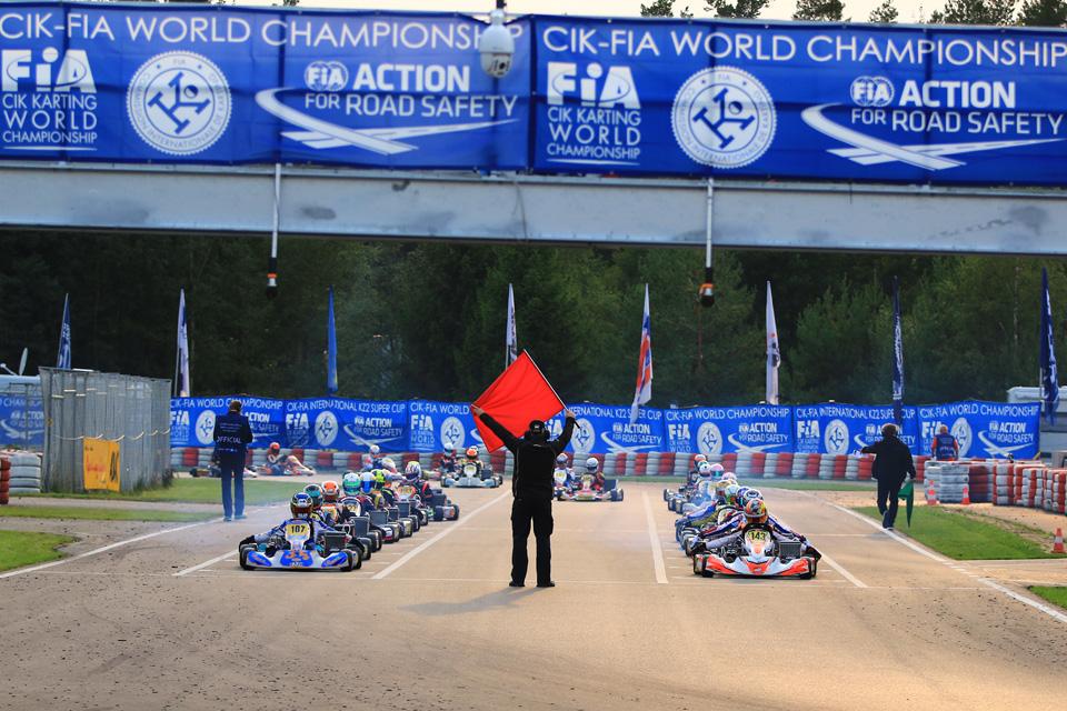 Erfolgreicher Start der Kart-Weltmeisterschaft in Wackersdorf