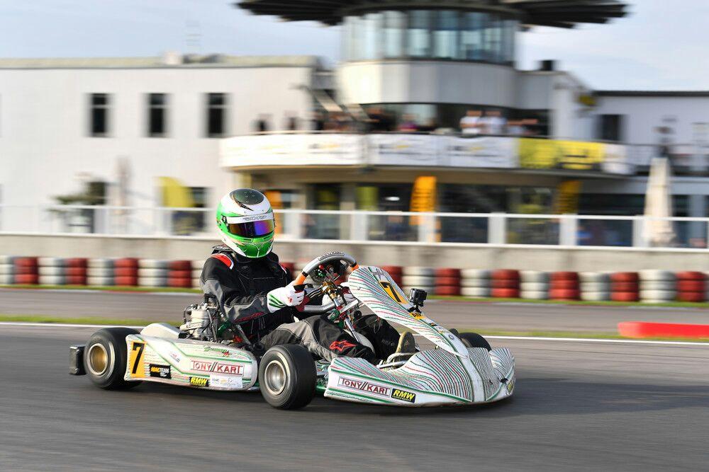 Marcel Schminke fährt in die Top 5 im ADAC Kart Masters