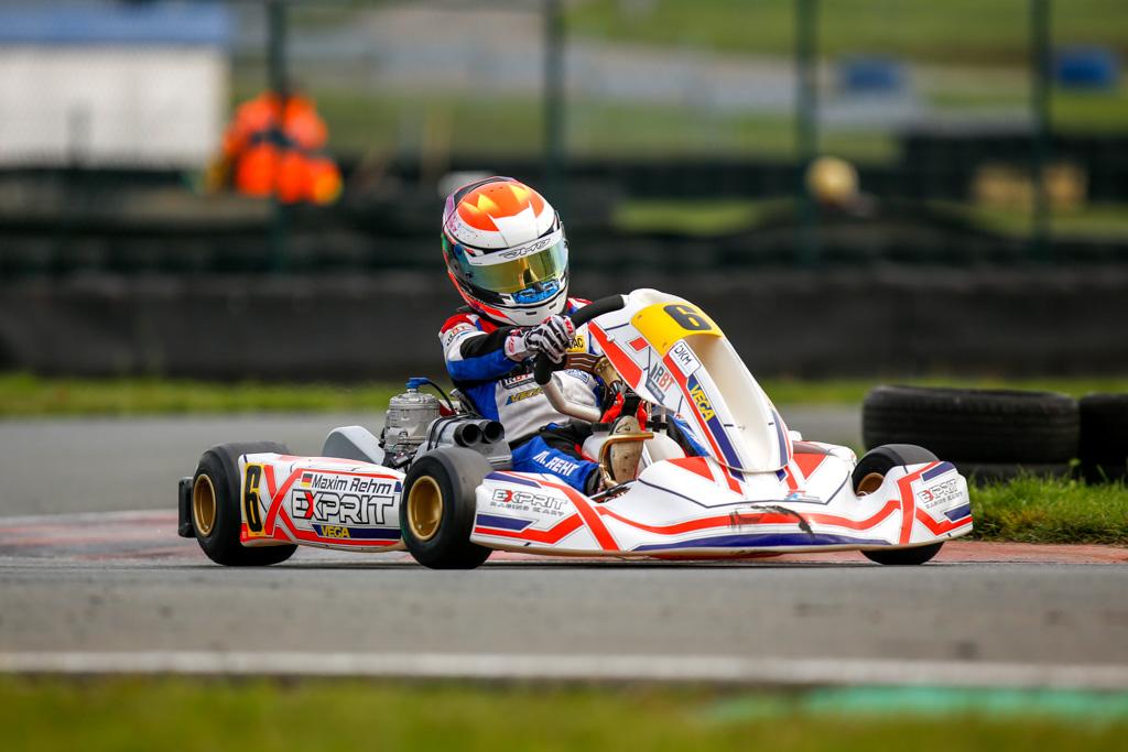 Maxim Rehm holt Meisterpokal im ADAC Kart Cup