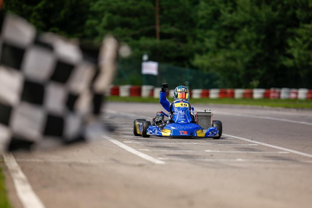 TB Racing Team feiert Siege in Wackersdorf