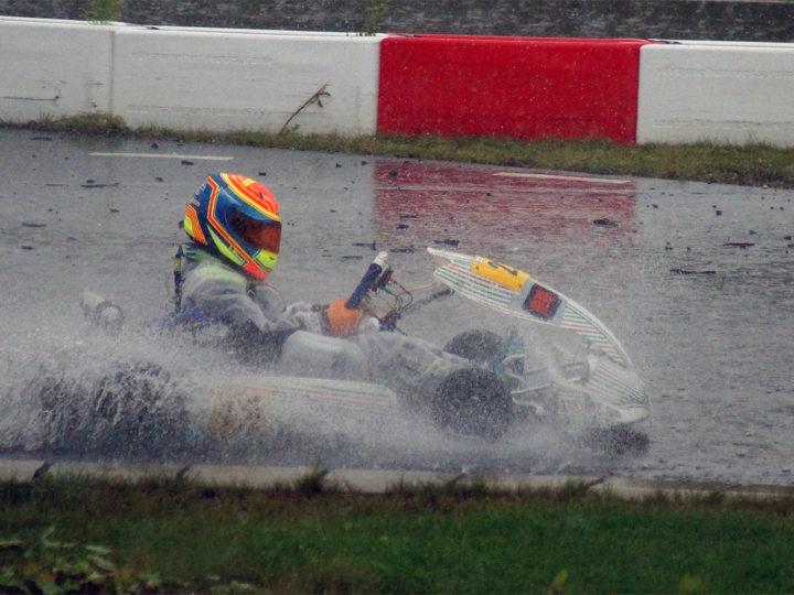 Race Time Kart Trophy Weiss-Blau in Mülsen für die Zeller-Brüder